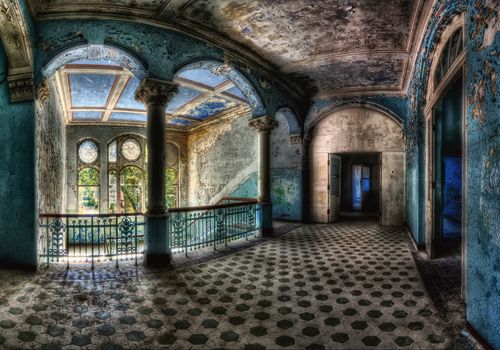 Beautiful Decay de Matthias Haker